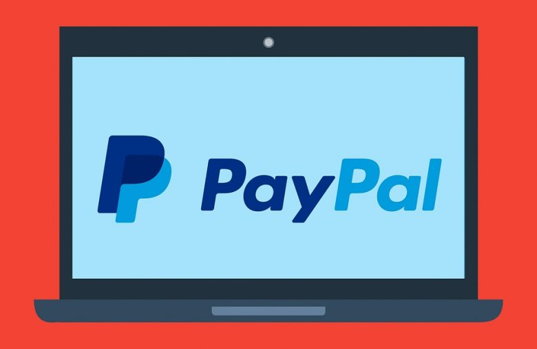 Coinbase allows the withdrawal of money via PayPal
