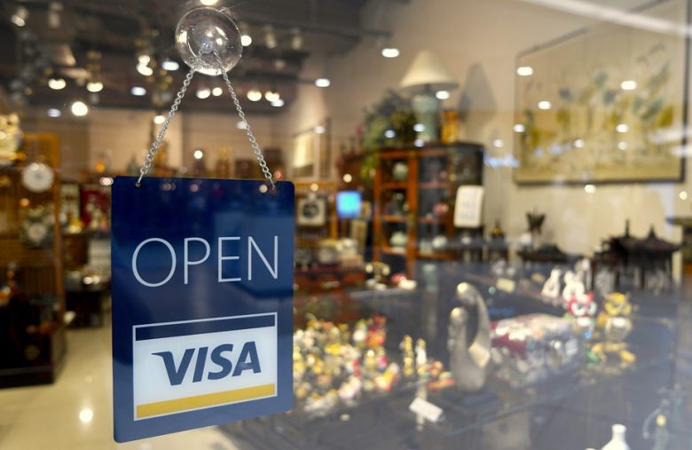 Coinbase launches Visa card for British customers